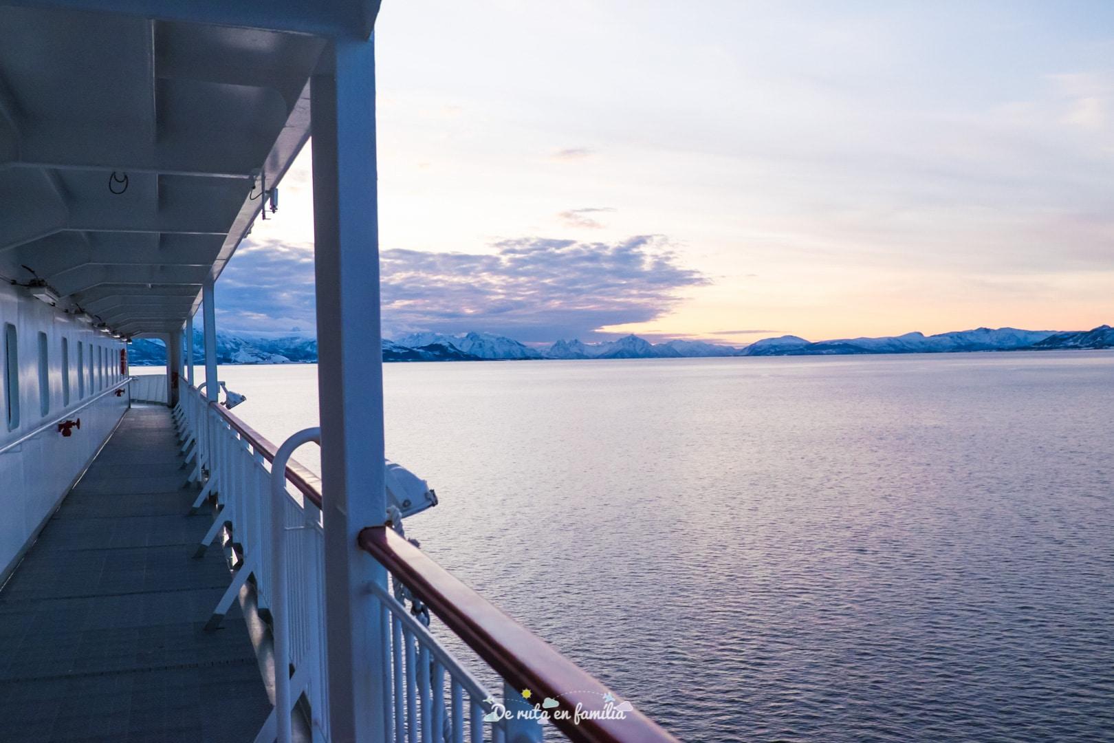 anar de Tromso a les illes Lofoten amb l'Hurtigruten