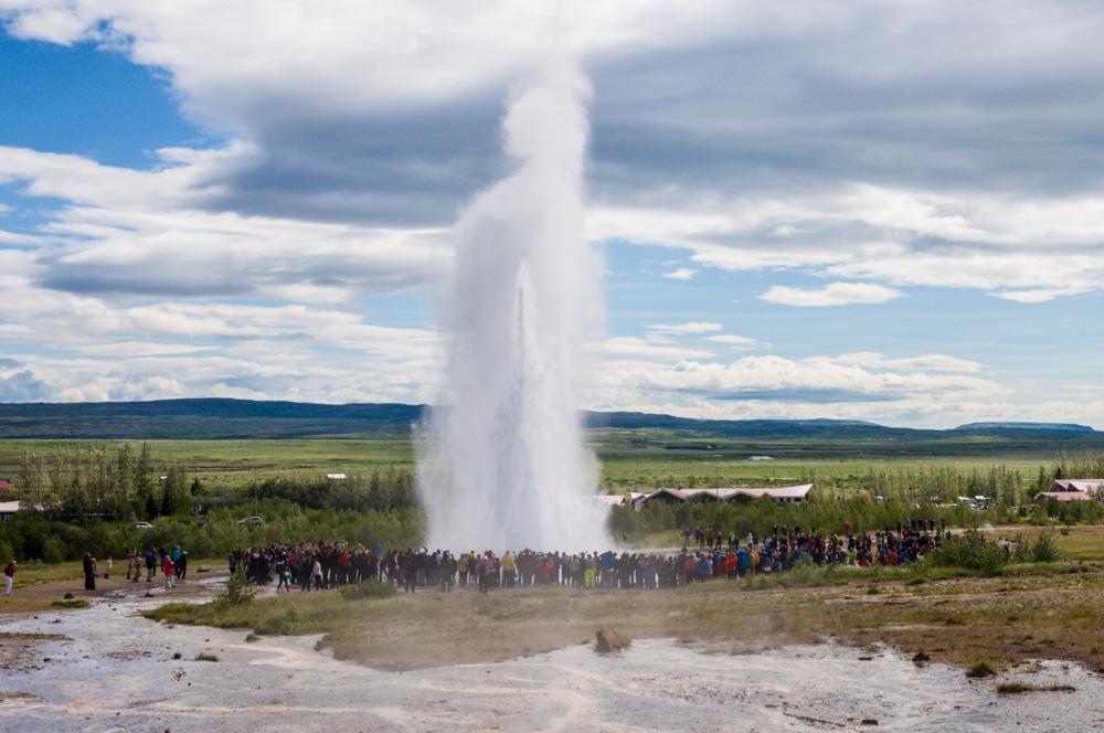 Ruta per Islàndia (VI): La platja negra de Reynisfjara, la cascada Seljalandsfoss i el Cercle Daurat
