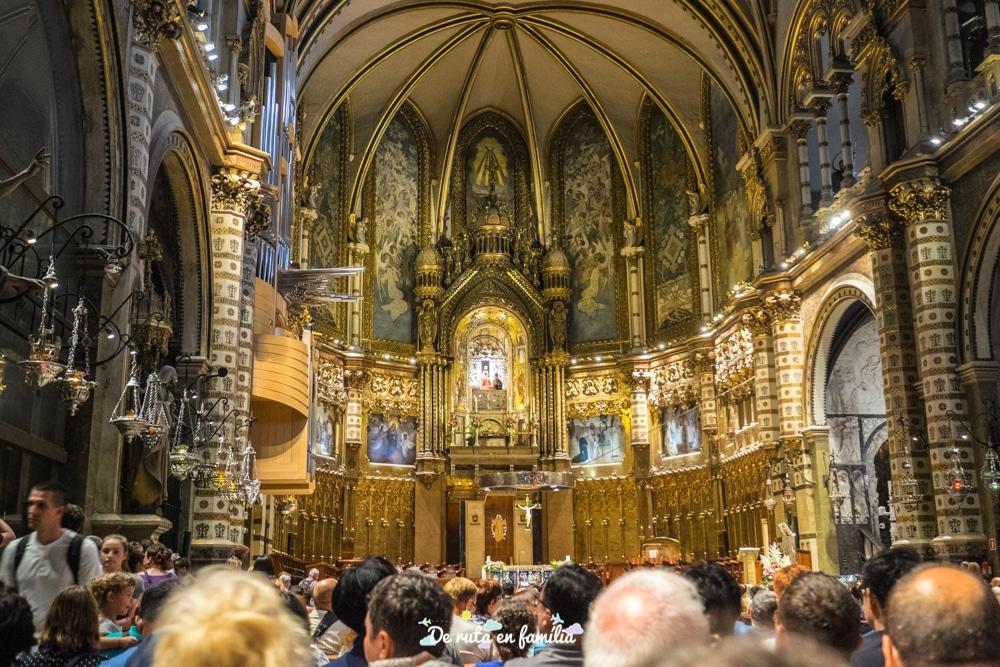 un dia al monestir de montserrat