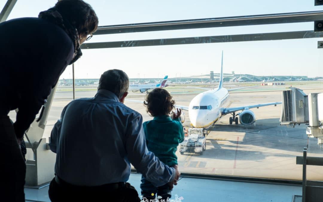 Quina és la millor assegurança de viatges per a famílies? Comparativa de les millors assegurances per viatjar amb nens